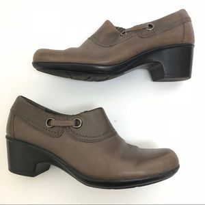 clarks collection womens ankle heel boots Size 8 M